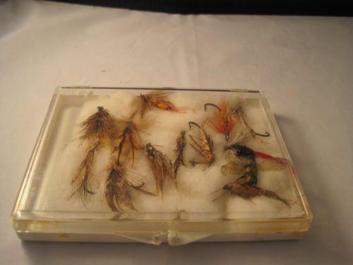 Vintage-Box-of-Fishing-Flies