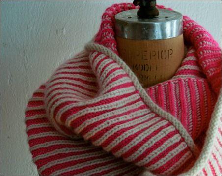 pink brioche cowl 600-1