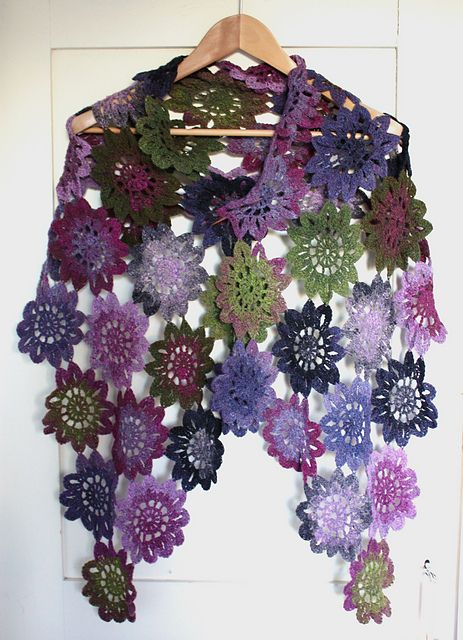 Now this? This I love, love, love. Maybe I can make these for my warmer weather giftees.Gina Lynette