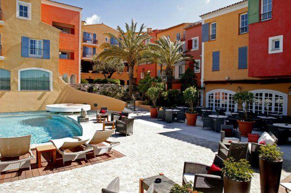 L'hôtel Byblos à Saint-Tropez