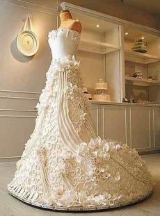 Этот торт в виде великолепного свадебного платья настоящий шедевр!