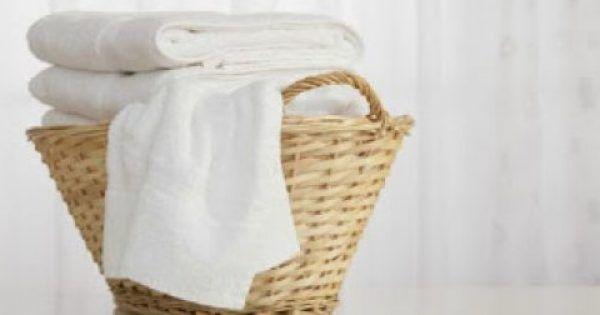 Η χλωρίνη είναι σίγουρα ένα πολύ χρήσιμο απορρυπαντικό μέσα στο σπίτι. Παρόλο, όμως, που κάνει τα λευκά μας λευκότερα, καταστρέφει παράλληλα την υφή τους ε
