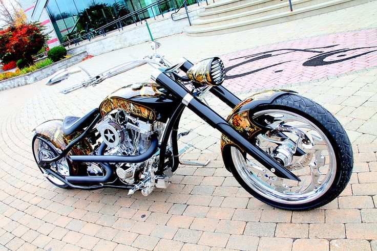 The Show of Support Military Hunt Custom OCC Chopper is done! Show of Support has teamed up with Paul Teutul Sr. and the rest of the Orange County Choppers Team to build a one-of-a-kind custom chopper.
