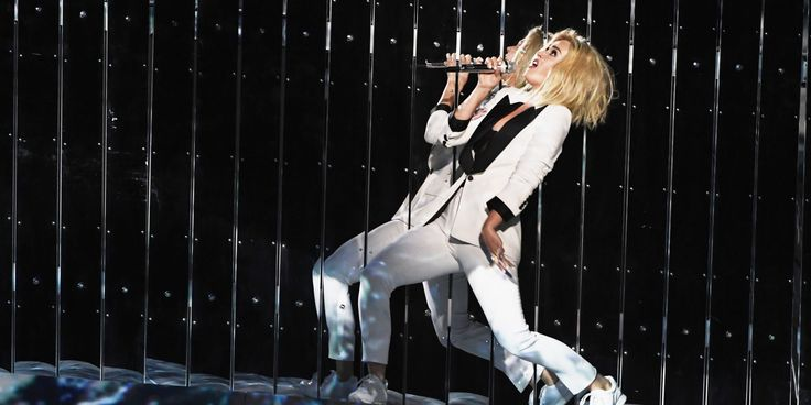 Katy Perry Channels the Suffragists at the Grammys  http://www.elle.com/culture/music/news/a42996/katy-perry-grammys-persist-white-suit-constitution/