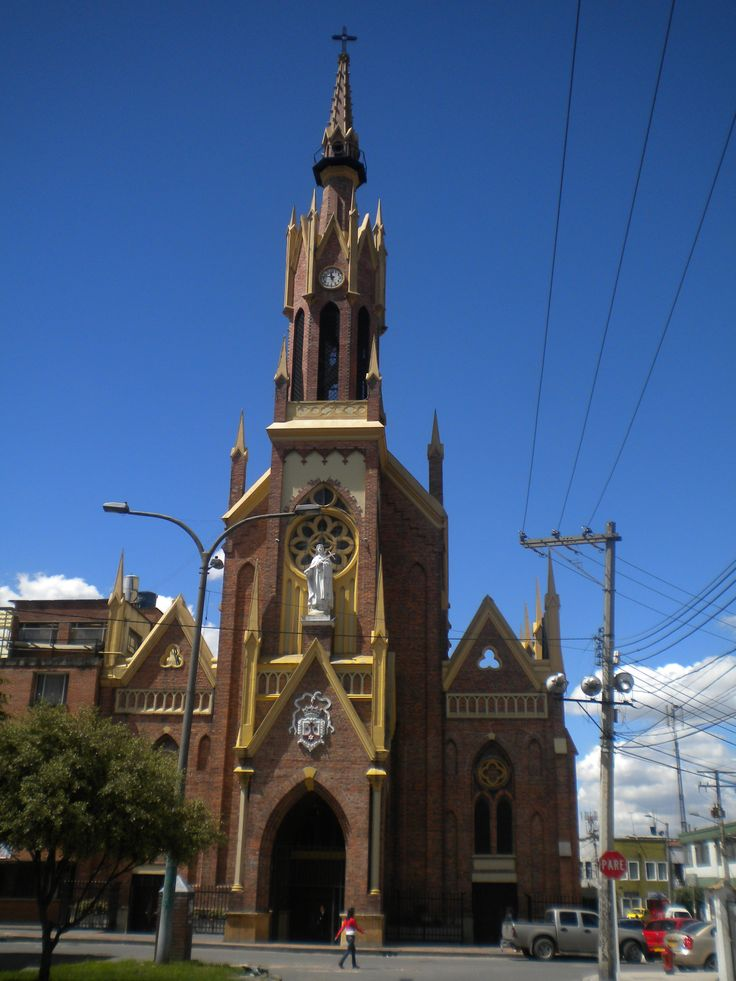 Iglesia de Santa Teresita, barrio homónimo en Bogotá, D.C. Año 2011.