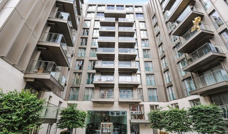 Англия - Продается квартира класса люкс с 3 спальнями в центре Лондона Квартира площадью 112 м2, с 3 спальными и 2 ванными комнатами, просторной гостиной с встроенной  кухней, оборудованной бытовой техникой Miele. Цена: £ 2 553 000 #инвестициивнедвижимость , #недвижимостьанглии, #инвестицииванглию, #property, #investment, #london, #инвестиции, #Лондон, #зарубежнаянедвижимость, #недвижимостьзарубежом, #realestate
