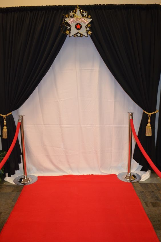 Make this the entrance to the Hollywood theme classroom. {just picture, no link}