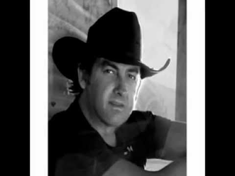 "Lee Kernaghan singing ""This Cowboy's Hat"" - YouTube"