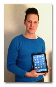 Hej, jag heter Niclas Vestlund och har tidigare varit projektledare/IT-pedagog i ett iPadprojekt- för att öka kvalitet, flexibilitet och individanpassning på SFI (svenska för invandrare) i Alvesta. Projektet var finansierat av  statsbidrag och pågick från mitten av augusti till slutet av januari 2014. I grunden har jag inte en pedagogisk utan en systemvetenskaplig utbildning men jag har inte sett det som något hinder utan snarare en fördel vid arbetet som IT-pedagog i projektet.....