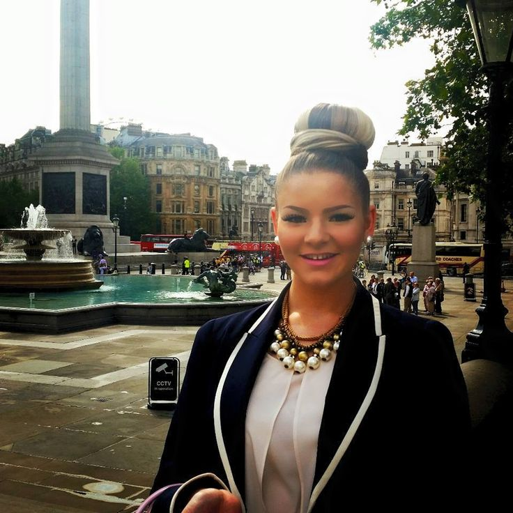Had a lovely day singing in London! — at Trafalgar Square.