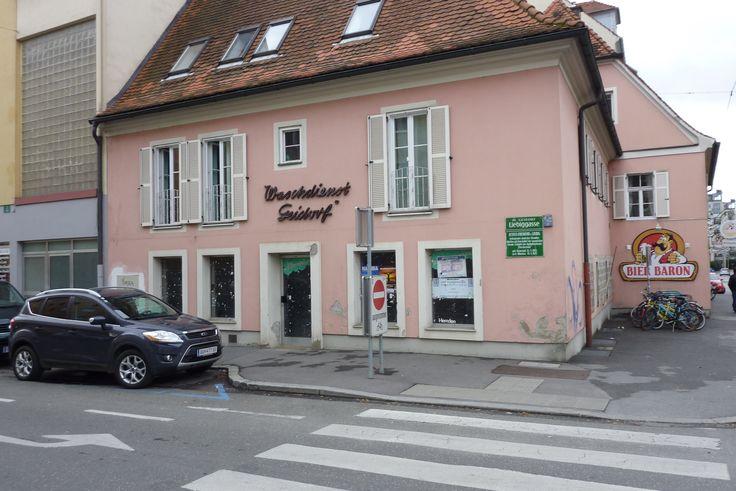 Heinrichstraße 56/Ecke Liebiggasse: der Waschdienst Geidorf, mittlerweile ohne die markante alte Schrift, dafür aber innen renoviert (und noch leer).