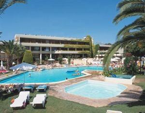 Griekenland Rhodos Kalithea  Lage: Das Hotel liegt in der Gegend um Kallithea einer der berühmtesten Gegenden von Rhodos. Der Strand von Kallithea ist etwa 800 m und Rhodos-Stadt ca. 6 km entfernt. Ausstattung: Gerne...  EUR 373.00  Meer informatie  #vakantie http://vakantienaar.eu - http://facebook.com/vakantienaar.eu - https://start.me/p/VRobeo/vakantie-pagina