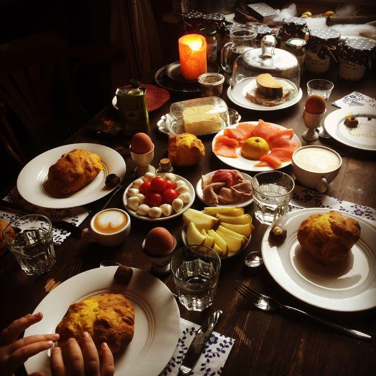 Neujahrsfrühstück - mit Kürbis-Laugenbrötchen