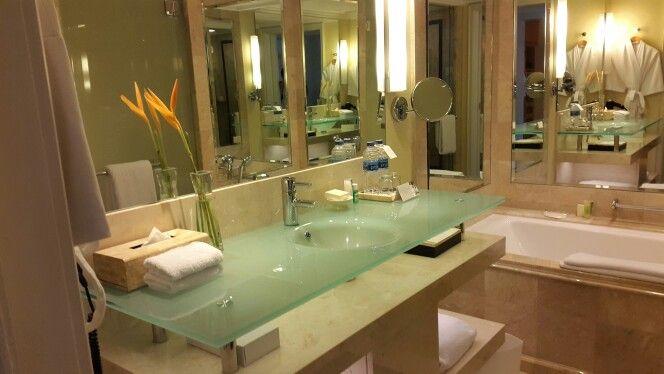 Grand Hyatt Jakarta Suite No. 1111 bathroom