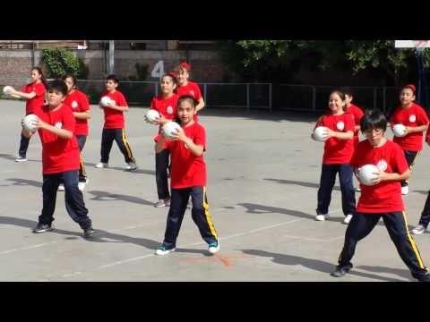 "Revista de Gimnasia 5to ""A"" 2014 Colegio San Pedro Quilicura - YouTube"