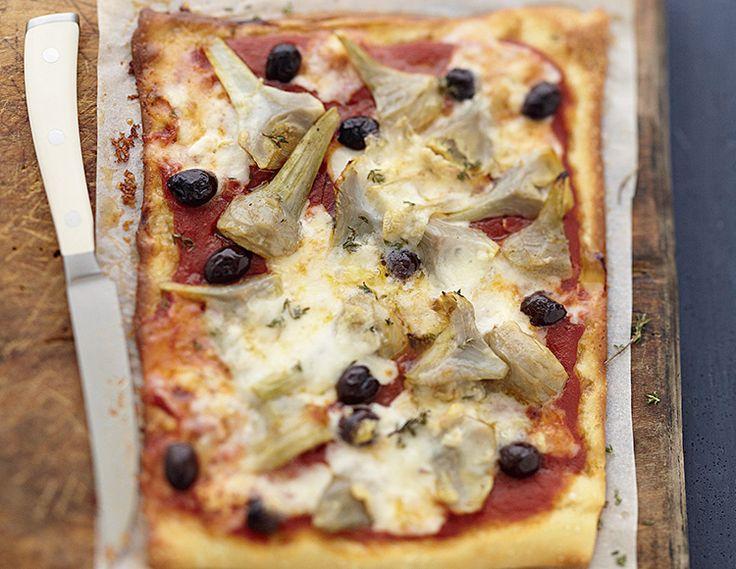 cyril lignac revisite la pizza aux artichauts recette. Black Bedroom Furniture Sets. Home Design Ideas