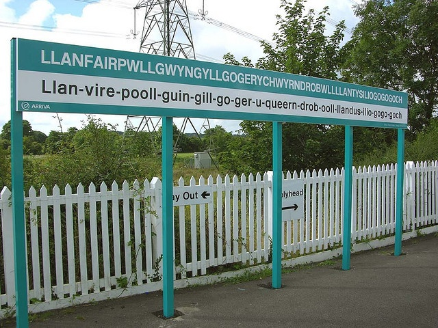 """Longest place name. I can pronounce the """"gogogoch"""" at the end and that's about it. #wales #cymru"""