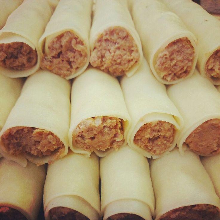 Canelons de carn rostida del Racó de la pasta, de la plaça mercat d'Olot. Salut!