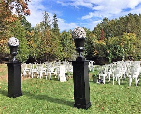 #weddingflowers  #flowers #wedding #weddingdetails #weddingdecor #incarnations #weddingarch #weddingarbor