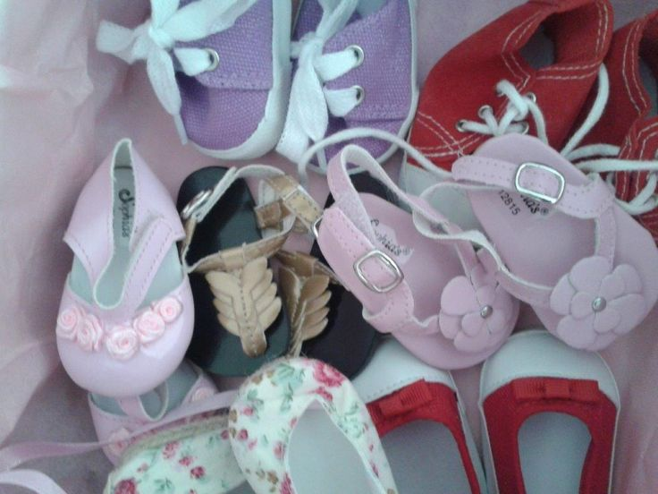 "Box of delight! Shoes for 18"" Madame Alexander, Gotz Hannah and Kidz n Katz"