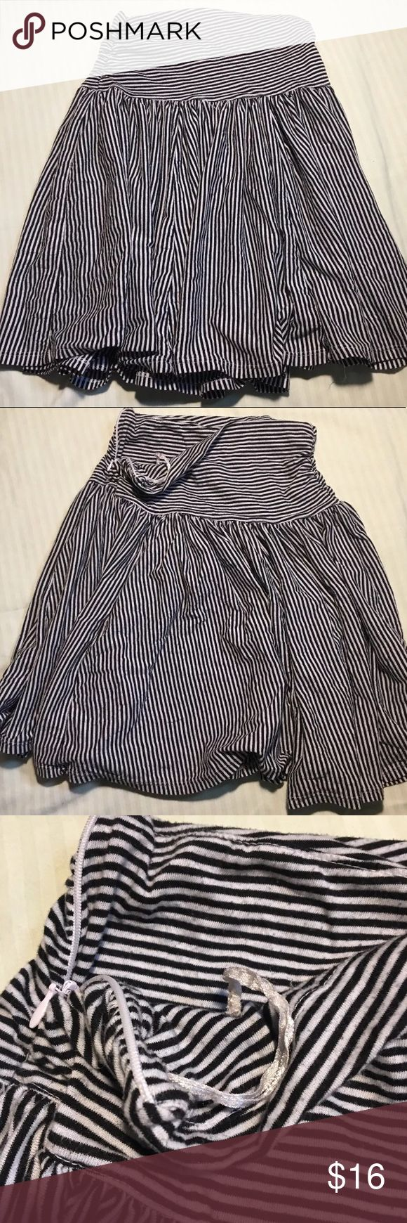 American Rag Skirt American Rag Cie Skirt  Size XS   Black And White Stripe  Condition:  Pre-Owned,No Holes, Rips Or Stains American Rag Skirts Midi
