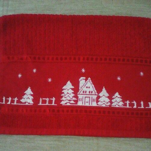 Toalla Navidad bordada en punto de cruz.