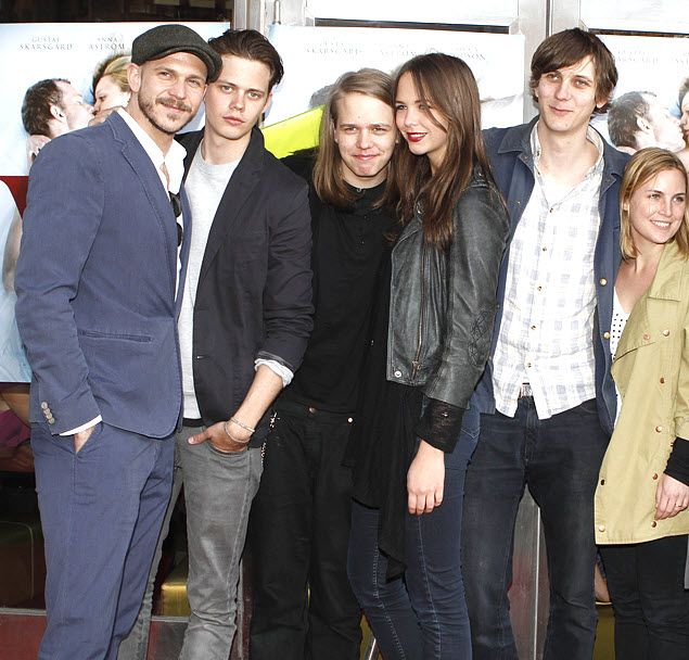 The  Skarsgård siblings ( L-R: Gustaf, Bill, Valter, Eija & Sam) at the gala premiere of Vi (May 6, 2013). Source:  RSTVideo.com