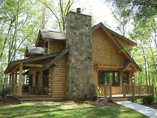 In inglese si chiamano log house o block house e stanno ad indicare delle case realizzate tutte con tronchi di legno. Se le guardate esteriormente infatti la loro struttura è caratterizzata da enormi tronchi di legno a vista. Sono davvero belle. I tronchi sono incastrati gli uni sugli altri senza altro materiale di fissaggio e …