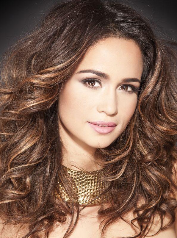 Nanda Costa: dona do cabelo mais pedido da TV Globo - http://colunas.revistaepoca.globo.com/brunoastuto/2013/04/11/nanda-costa-dona-do-cabelo-mais-pedido-da-globo/ (Foto: Reprodução)