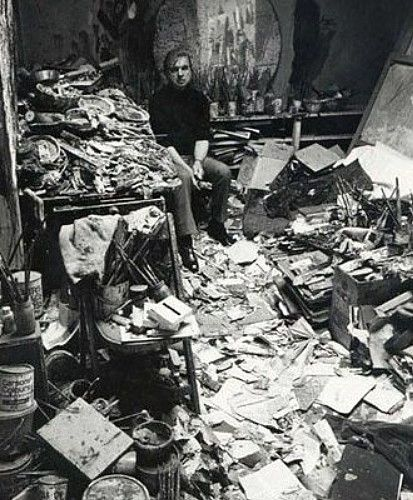 paperimages:    artist Francis Bacon in his studio