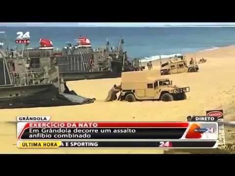 """КАМАРАДЕН! БИТЕ, БИТЕ, ГУР,ГУР!  (видео)  На интернету се може наћи репортажа португалске телевизије о неуспешном искрцавању јединице Америчке морнарице: """"хамери"""" су заглавили у песак и блокирали пут осталој техници. На руском се видео зове """"Амерички маринци се"""