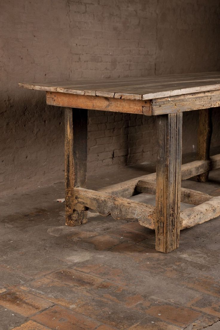 Axel Vervoordt - Walnut table