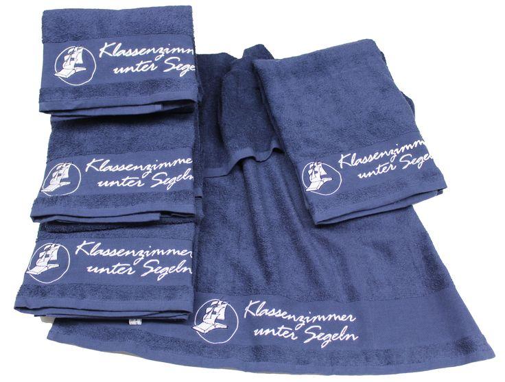 Mehrere Handtücher bestickt mit dem Logo....