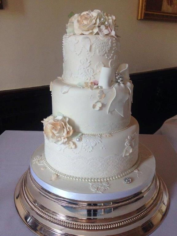 Cake Design Napier : 1000+ images about Traditional Wedding ideas on Pinterest ...