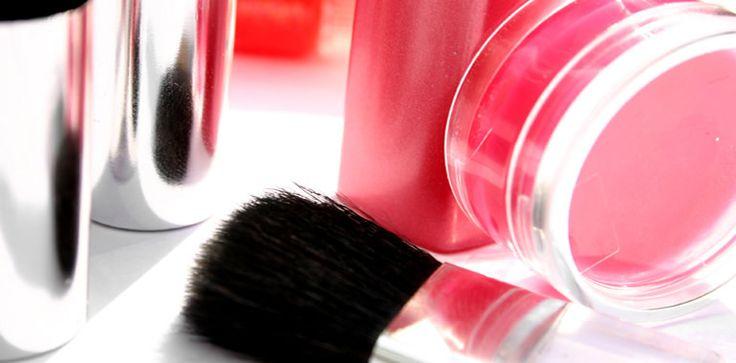 Op je bruiloft wil je niet alleen maar mooi zijn, je wilt stralen! Hier vind je alle need-to-know beautytips voor een prachtige huid, glanzend haar en mooi verzorgde nagels.