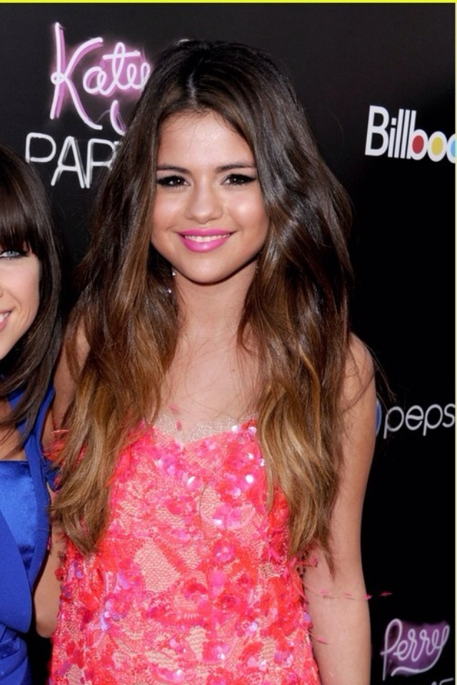 Selena Gomez - Hair- Ombre, waves   hair   Pinterest