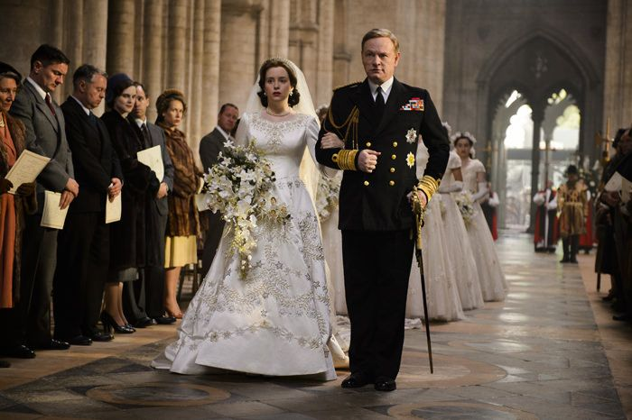 the-crown-tv-series-netflix-claire-foy-emily-blunt-new-images-new-trailer-tom-lorenzo-site-3