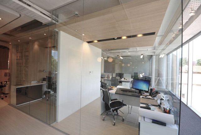 Sturla  #Oficinas #offices #corporate  http://vanguardaarchitects.com/what-we-do.php?sec=corporative-branding&project=153