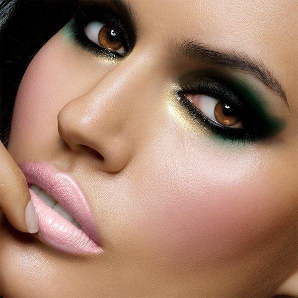 smokey eyes pale pink lips makeup