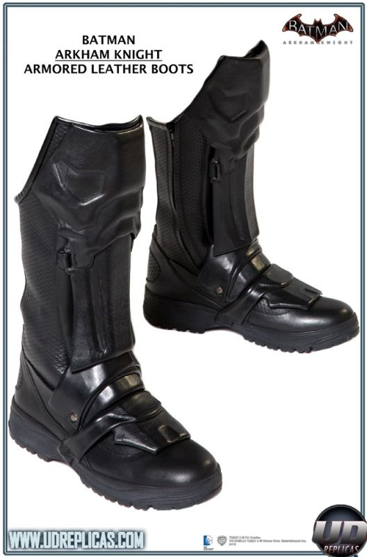 BATMAN™: Arkham Knight - Leather Motorcycle Suit  Image 12
