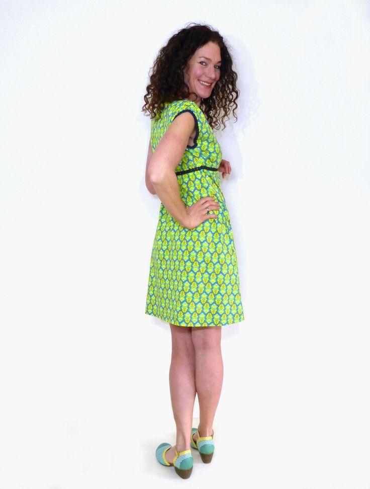 knielange kleider  kleid in aform puffarmtürkis grün