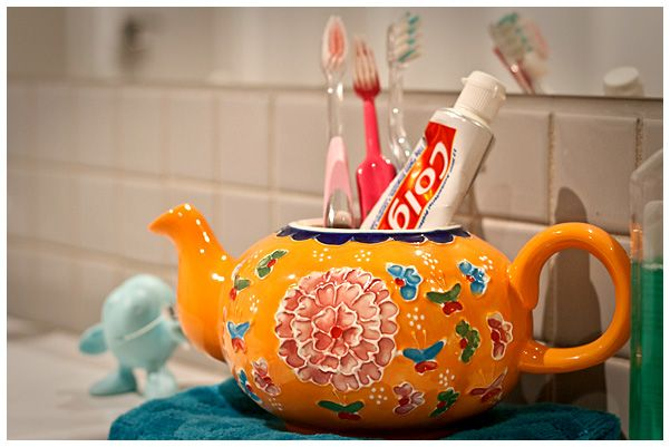 Teapot in the Bathroom- nice quirky feature                                                                                                                                                                                 More