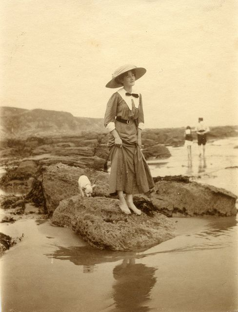 +~+~ Antique Photograph ~+~+   Young lady on the beach. 1910s.