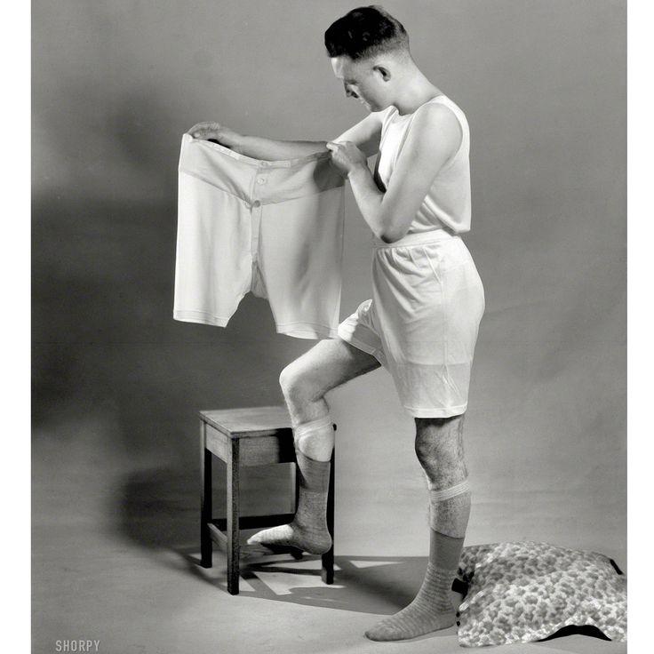 l'industria della maglieria si concentró anche sulla produzione maschile di camice, maglie intime, guanti e calze rivolte all'esercito durante i conflitti mondiali.