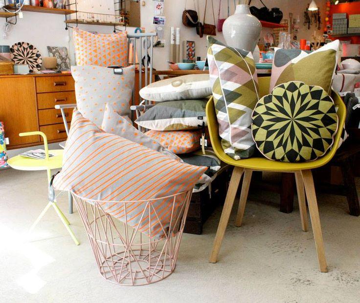 les 44 meilleures images propos de marseille sur pinterest pi ces de monnaie le corbusier. Black Bedroom Furniture Sets. Home Design Ideas
