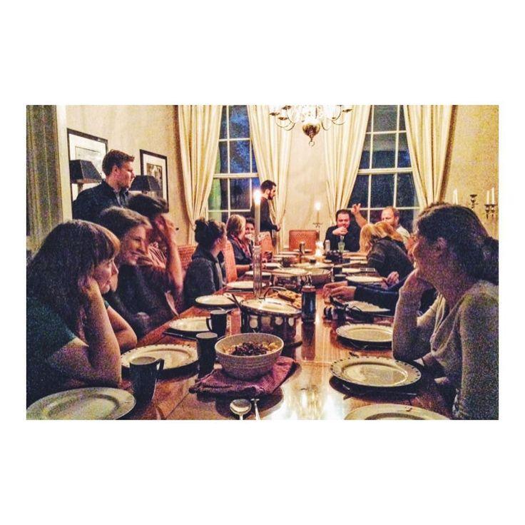 最後ではない晩餐会V(_)V International Dinner Party in Ask Norway  ニューヨーク交換留学中の相棒 Dangerous Dariusとカウチサーフィンしたことが ノルウェーの魅力に気付かされたキッカケ  この写真は現地ホストStian宅での インターナショナルディナーパーティー  世界各国の料理をカウチサーファーたちと堪能しました  僕は八宝菜に挑戦したんですが あんかけを作ろうとしたら  超しょっぱいゼリーの塊になっちゃいました(-; )  ちなみに僕はトータルで 2ヶ月程ここに滞在してましたよ(_)  引っ切り無しに世界中から サーファーが集まるから全く飽きない  #ノルウェー #ノルウェーハウス #ノルウェー生活 #ノルウェー旅行 #ベルゲン #ベルゲンへ #ベルゲンまで行くかな #ベルゲン友達 #ベルゲンは素敵な街でした #ベルゲン好きすぎる疑惑 #フラットメイトは美人なノルウェー人 #海外移住 #カウチサーフィン #couchsurfing #couchsurfing #couchsurfingexperience…