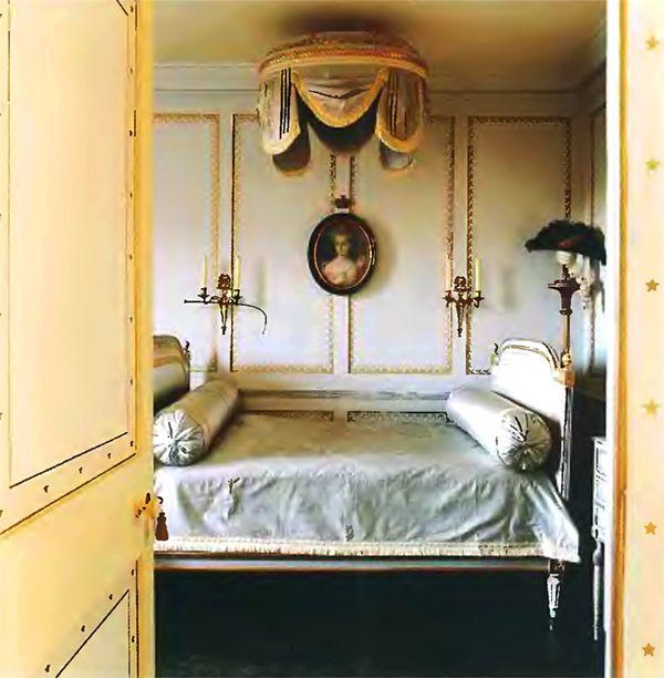 Classic british bedroom design ideas zeospot bedroom for British bedroom ideas