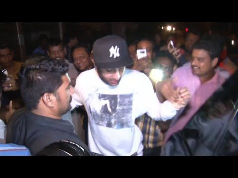 Ranbir Kapoor gets MOBBED by fans at Zoya Akhtar's residence.