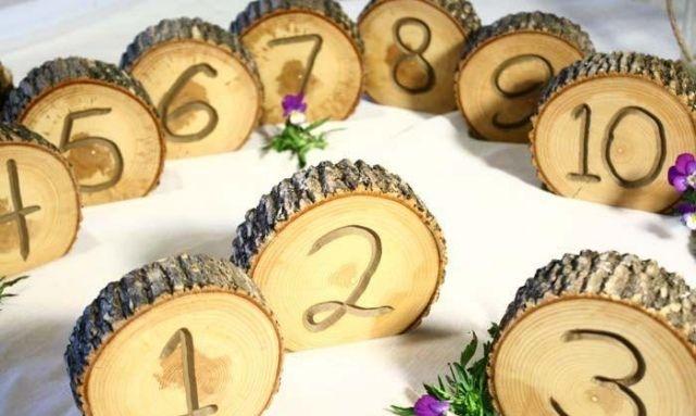 tischdeko hochzeit selber machen tischnummern holzscheiben
