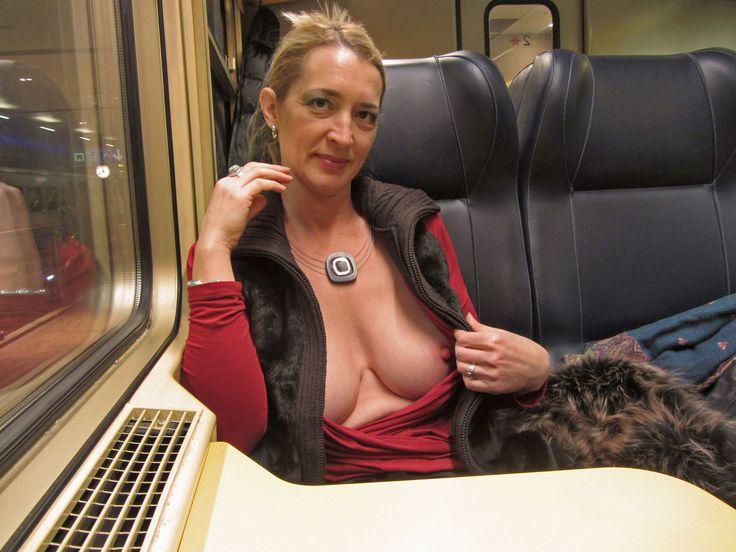 exhib dans le train gai sex